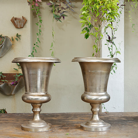 The home Metal Vase Planter Gold GD1615