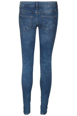 Slim stretchable ladies jeans in blue and black