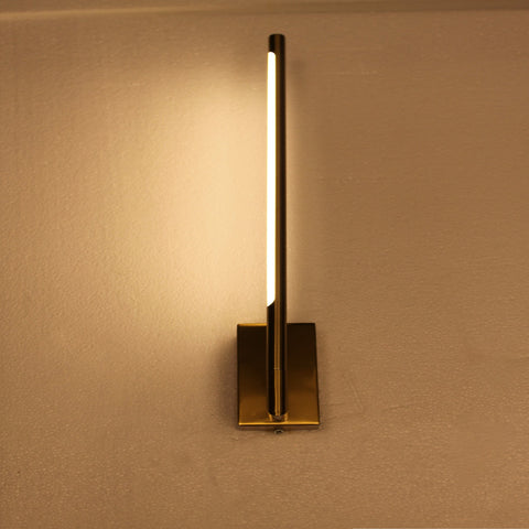 Brightpipe LED Wall light mounted vertically in a living room bedroom