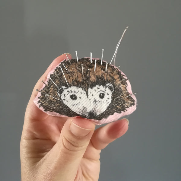 Make your own m&h hedgehog pin cushion!