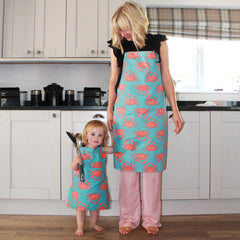 Make a child's apron from a tea towel