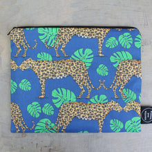 Load image into Gallery viewer, Leopard Wash Bag