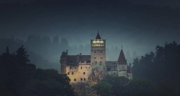 Dracula's Castle - Little Miss Meteo