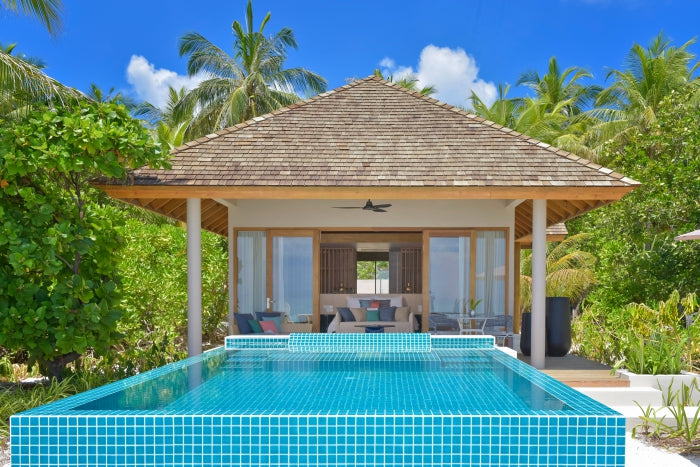 Beach Retreat with Pool - Universal Resorts - Faarufushi - Maldives | Little Miss Meteo