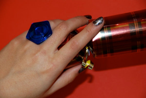 How to make jewellery out of your cracker prizes. Part 2 - Spinning Top Ring
