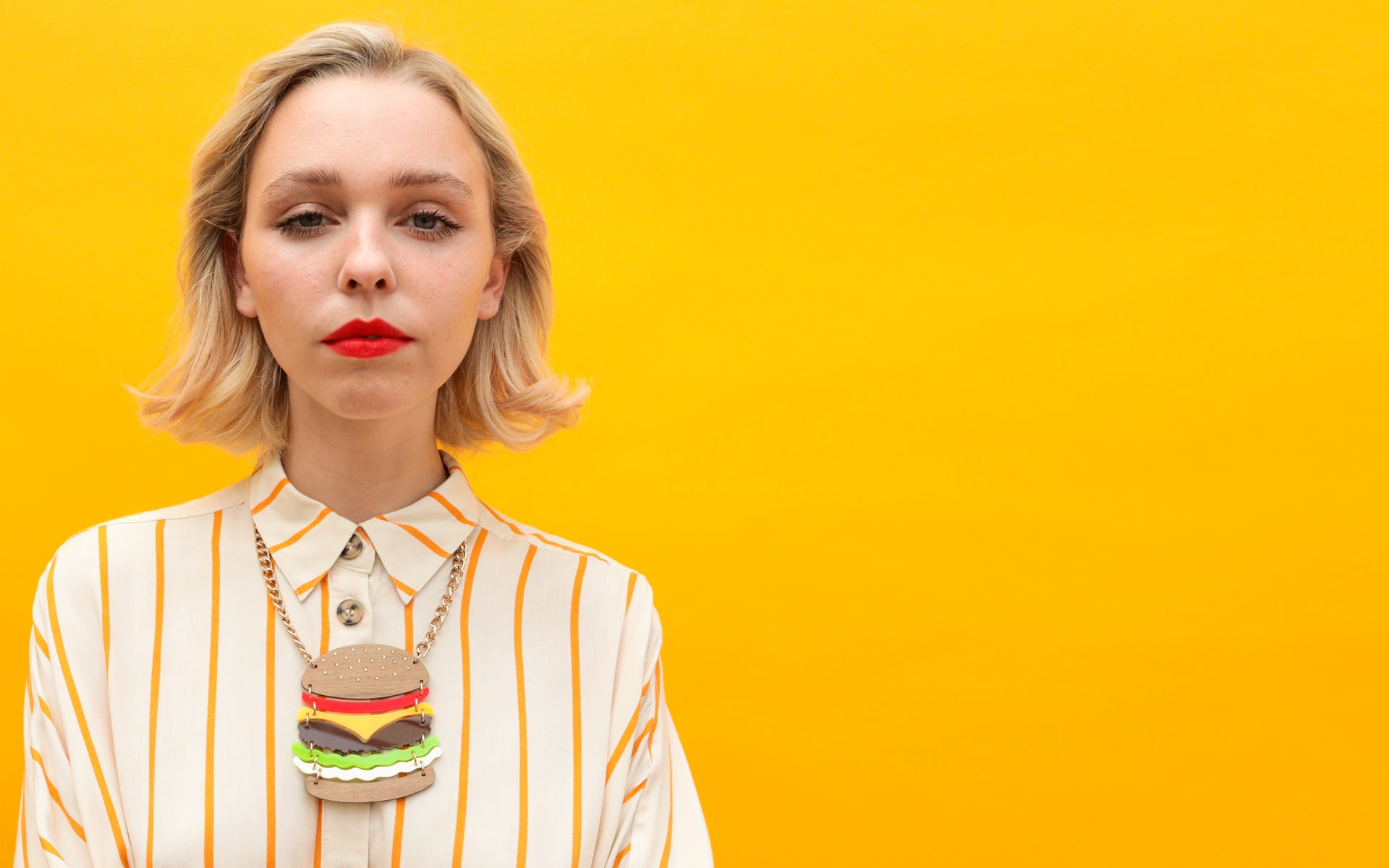 super-burger-necklace