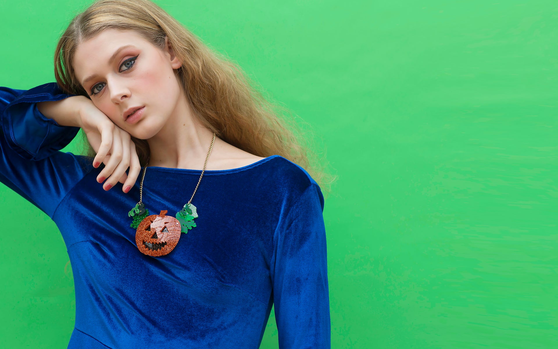 jack-o-lantern-statement-necklace