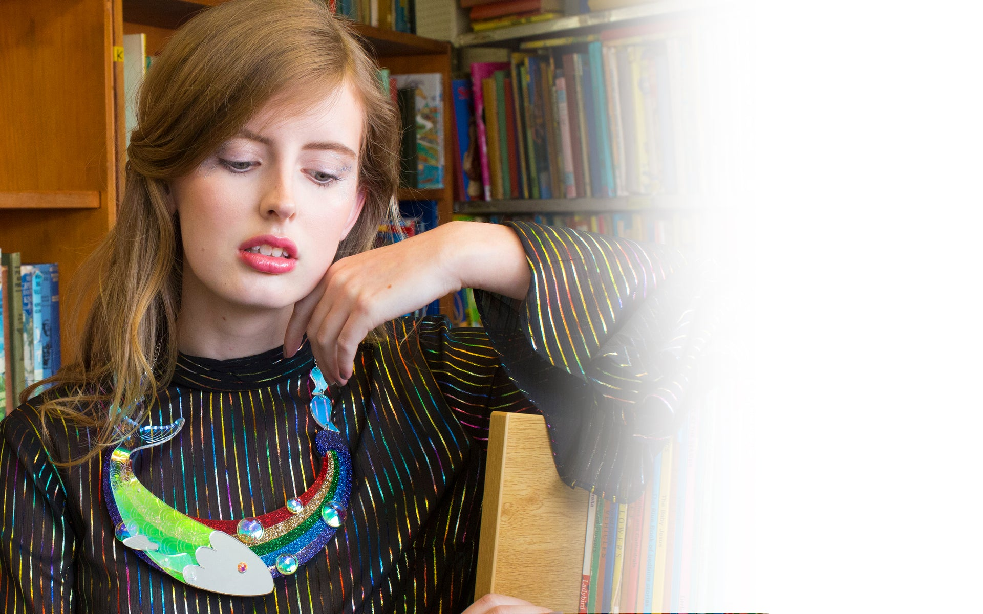 rainbow-fish-statement-necklace