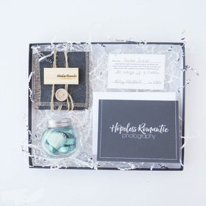 Bundles, USB, pouch, print release and thank you card. Ready to deliver packaging to your photography client.