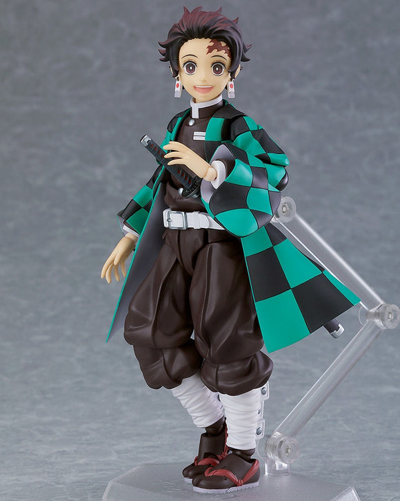 Figma 498-DX Demon Slayer: Kimetsu no Yaiba - Tanjiro Kamado DX Edition main pose