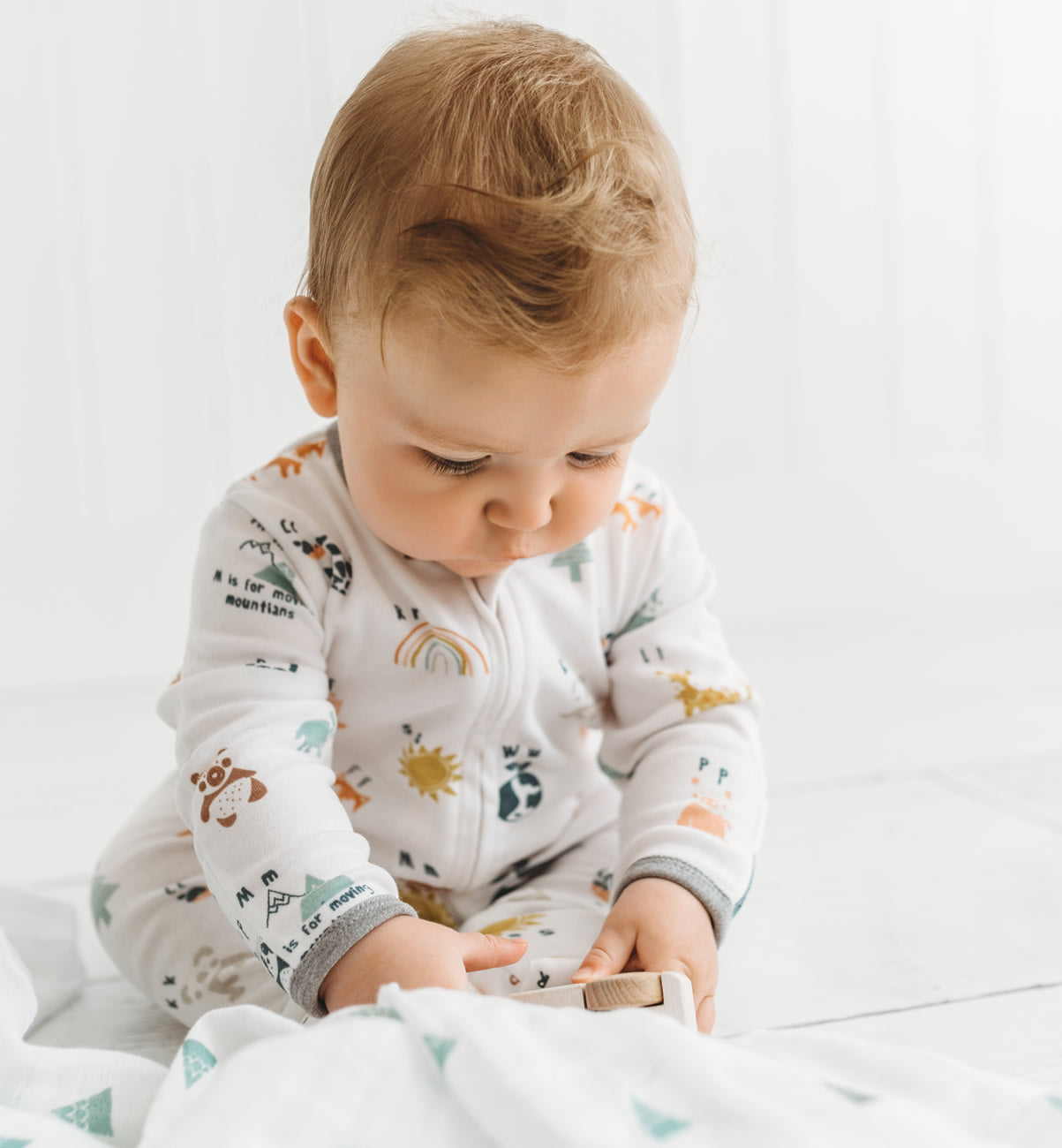 Kit & Kin Alphabet organic cotton All-in-one