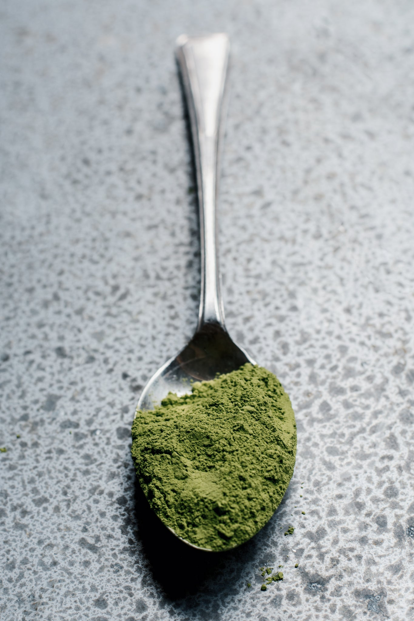 Tablespoon of Barley grass contains  a day's supply of beta-carotene, betaine, biotin, boron, copper, iron, lutein, magnesium, niacin, riboflavin, and thiamine.