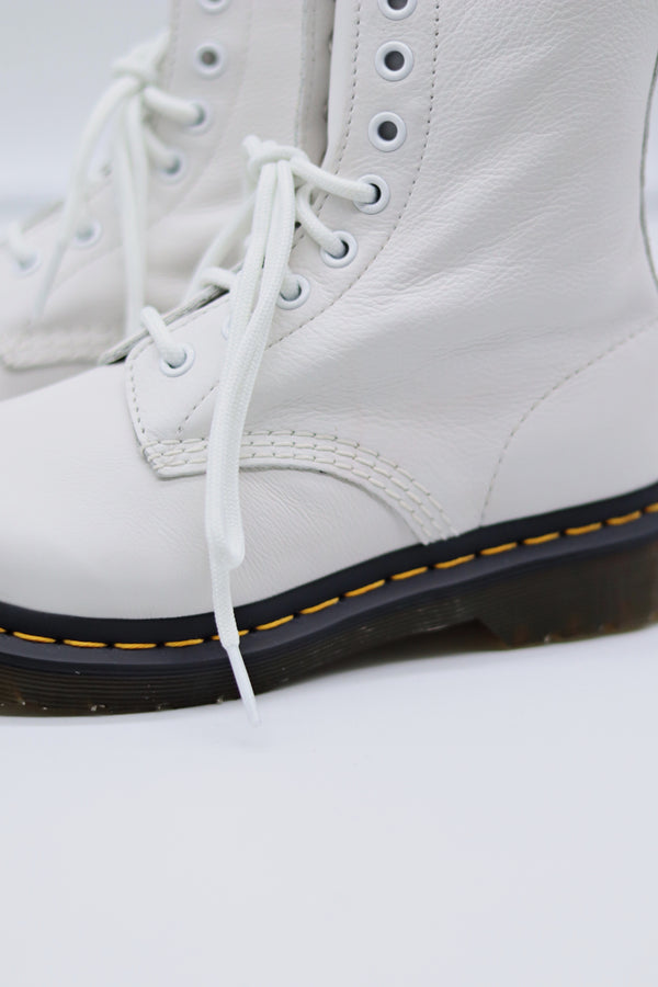 Pascal Stiefel Weiss