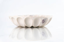 Load image into Gallery viewer, Flower Wave Bowl (b-124)