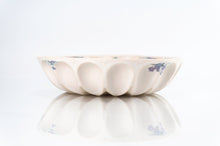 Load image into Gallery viewer, Flower Wave Bowl (b-126)