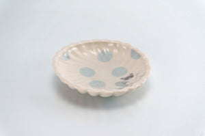 Flower and Blue Dot Round Dish (d-117)
