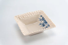 Load image into Gallery viewer, Blue Flower Square Dish (d-125)