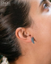 Load image into Gallery viewer, Sterling Silver and Black Porcelain Crescent Earrings (j - 41)