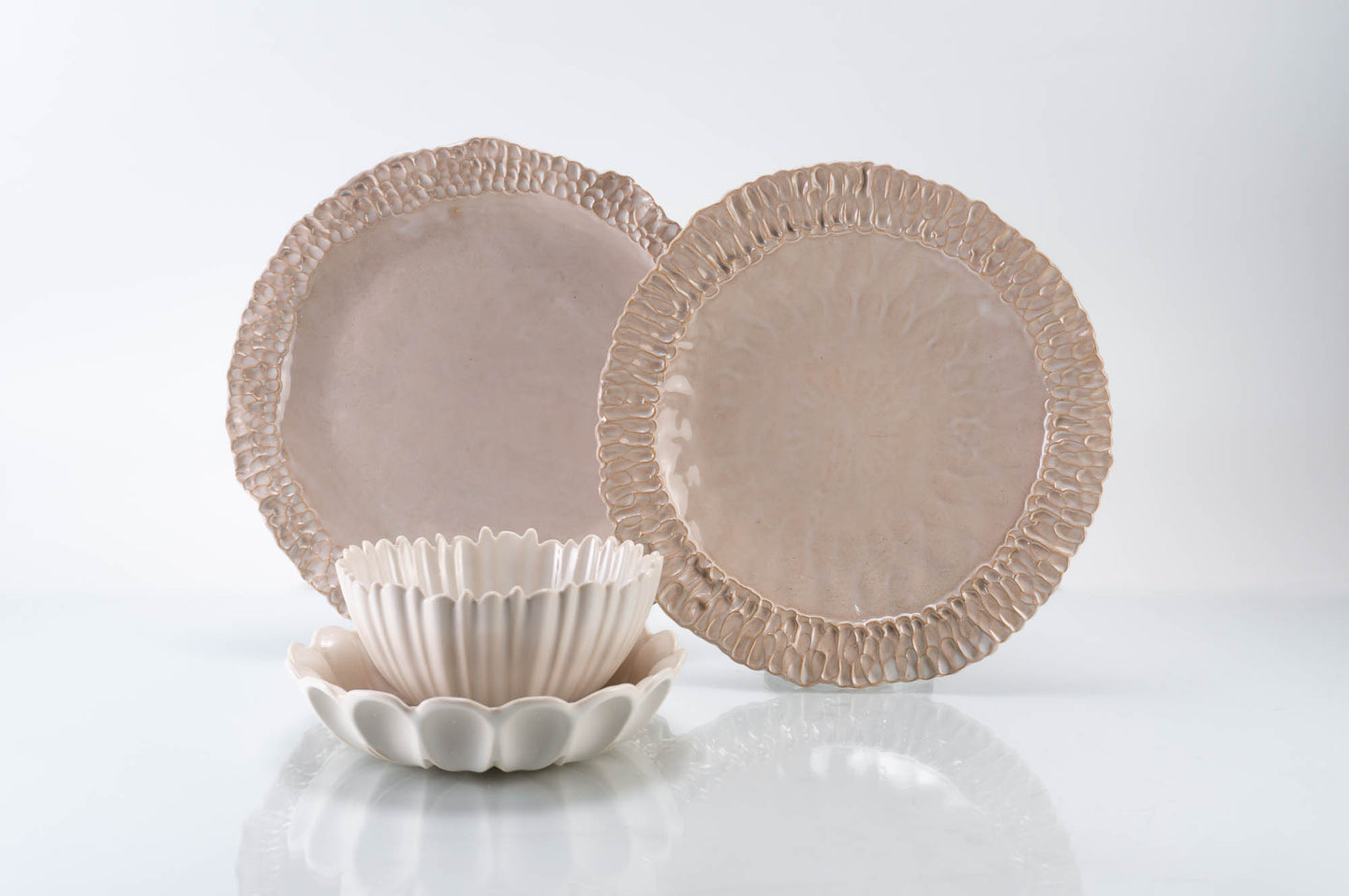Textured Rim 4-Piece Place Setting | Table Setting