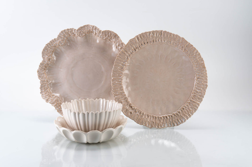 Wave Rim 4-Piece Place Setting | Table Setting