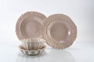 Medium Rimmed Plate 4-Piece Place Setting | Table Setting