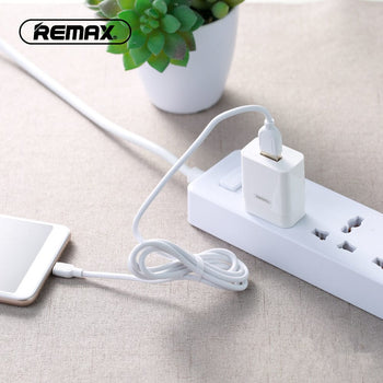 Single USB Travel Charger with Lightning Data Cable RP-U112 - Remax online