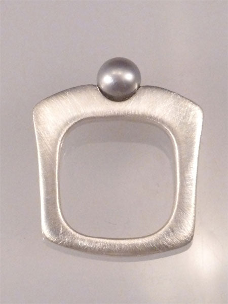 'CHIPPENDALE' RING