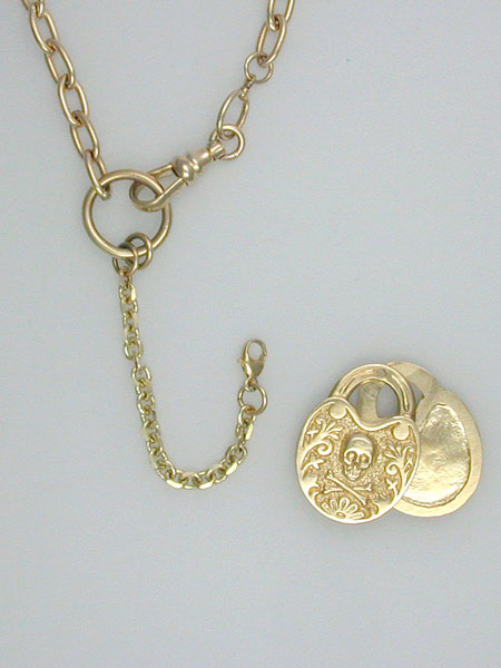 Pirate-Locket-Gold-Barbara-Klar