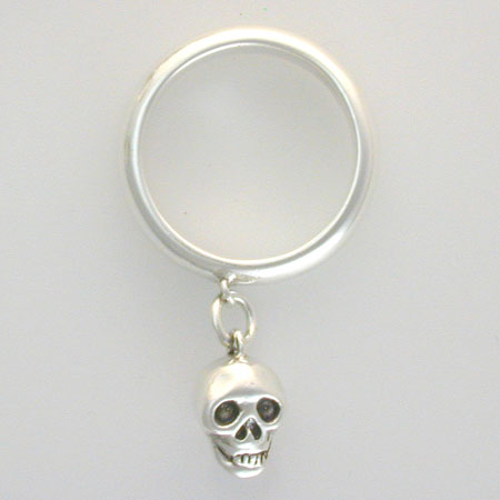 Hanging-Skull-Ring-Barbara-Klar