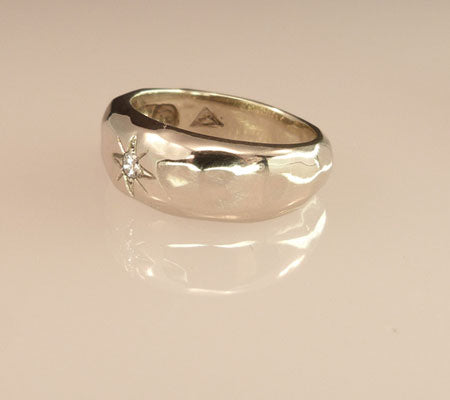 HAMMERED RING - TAPERED-BACK