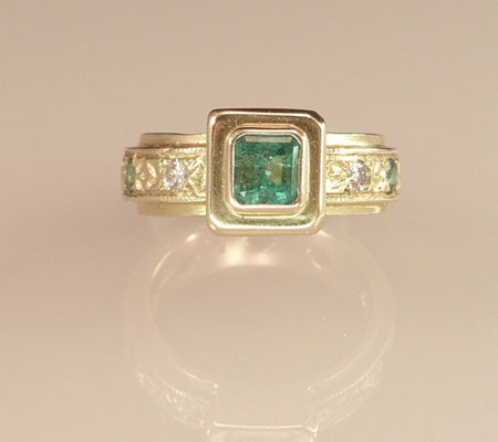 GEMSTONE PLATFORM RINGS