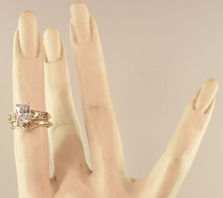 VICTORIAN PRONG ENGAGEMENT RING - GOLD