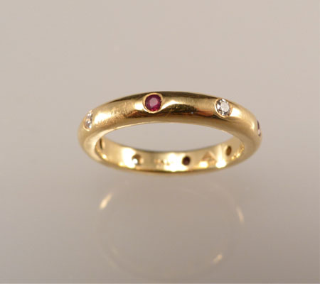 RUBY ALTERNATING DIAMOND BAND