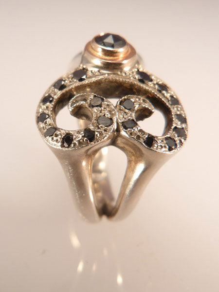 Black-Diamond-Swirl-Ring