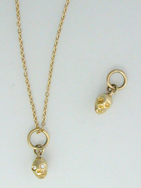 SKULL NECKLACE - GOLD