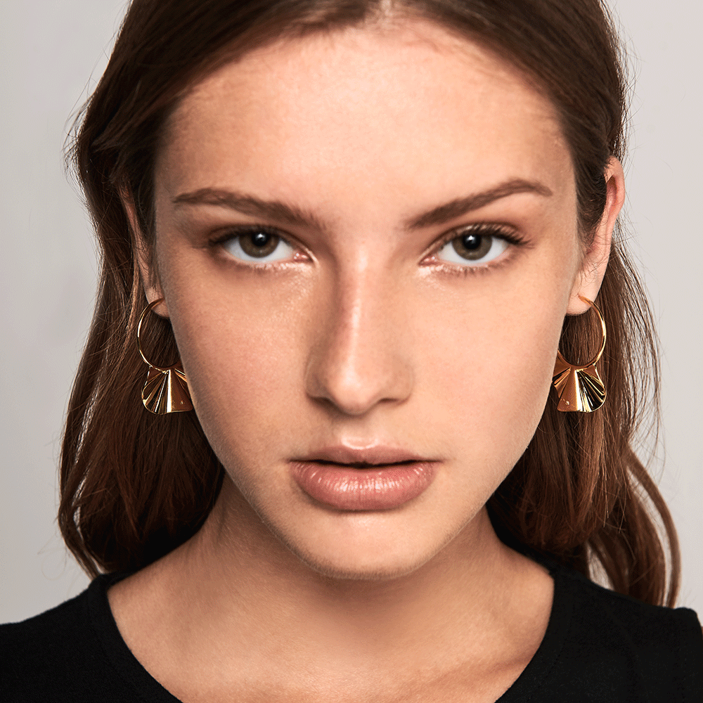 Enya gold earrings (2)