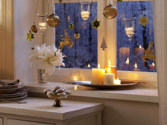 Creative Christmas Window Lighting Ideas