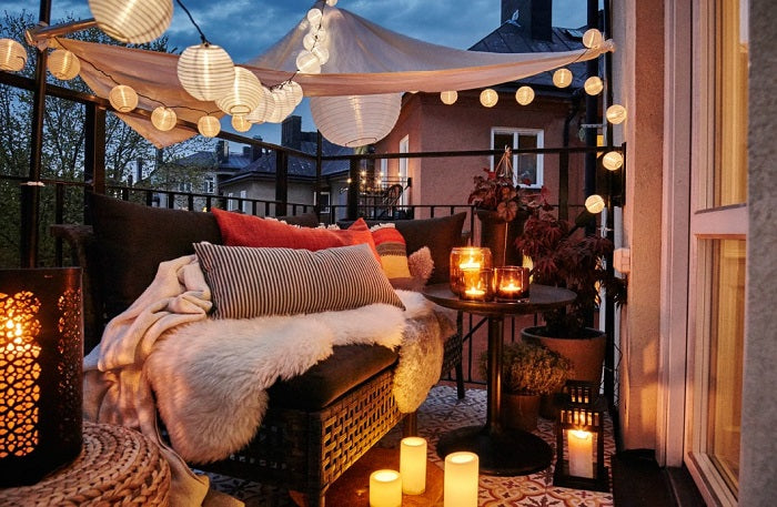 10 Special Lighting Ideas For Summer Balcony