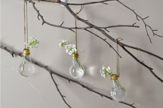 How-tos: 8 Awesome DIY Ideas For Recycling Light Bulbs