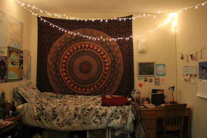 Light Up Your Dorm Room Dorm Room Lighting Ideas Ep