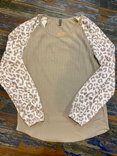 Long sleeve ribbed top with cheetah sleeves