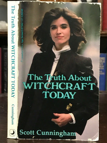 THE TRUTH ABOUT WITCHCRAFT - Cunningham, 1988 SIGNED - MAGICK WITCH WICCA