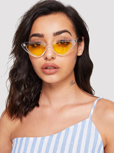 Retro cateye clear frame sunglasses