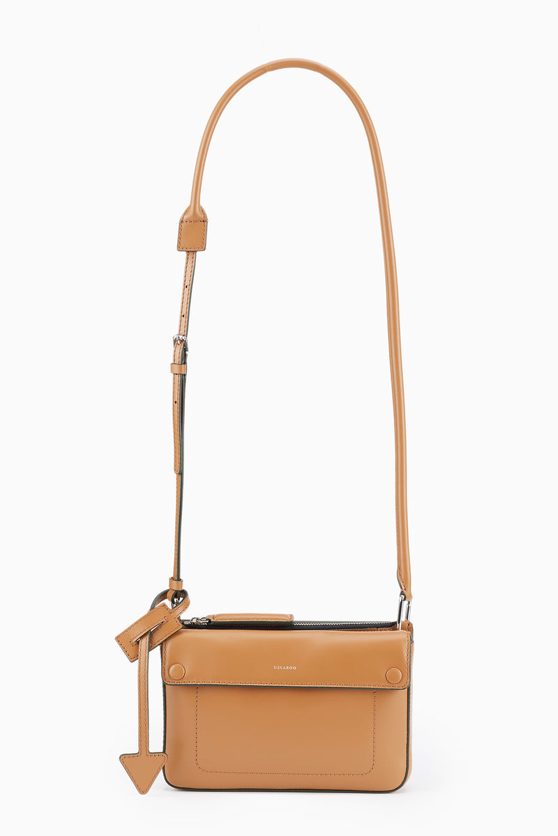 Troisième Small Crossbody Pouch in Molasses