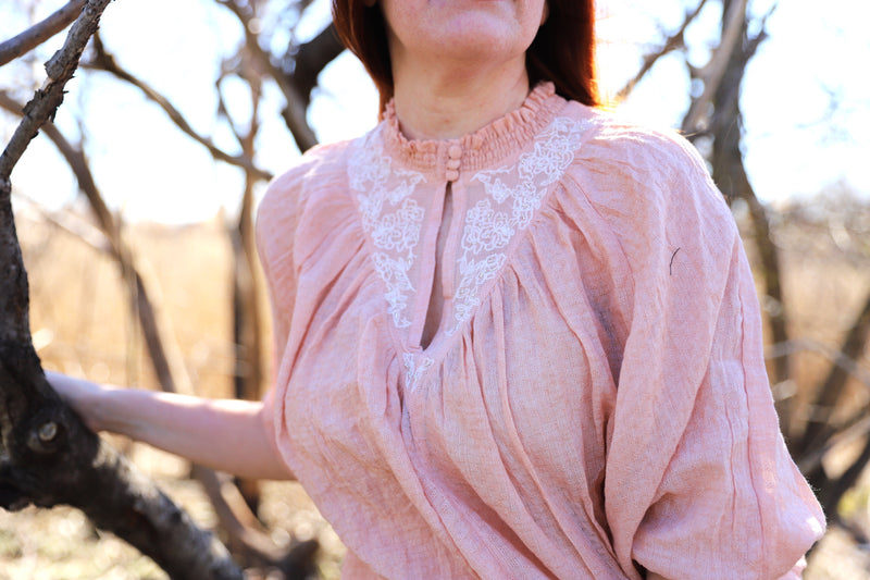 sybil blouse in blush