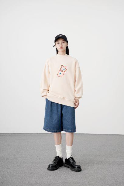 PROD Bldg Crewneck 1 / Cream Blue Hearts Crewneck Sweatshirt