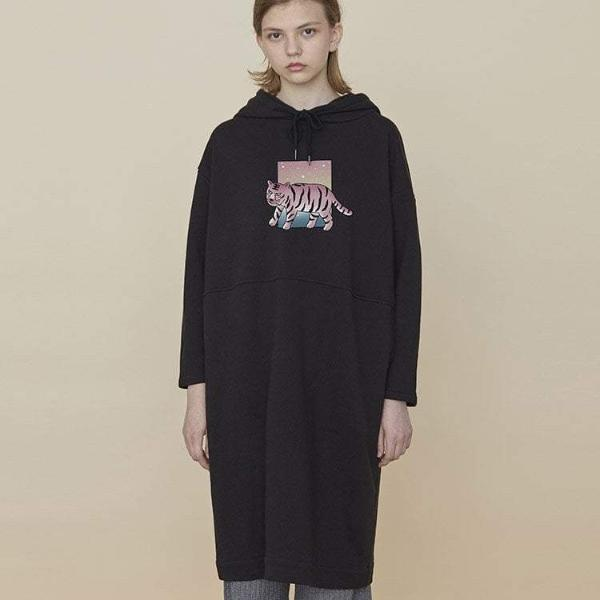 PROD Bldg Hooded Dress One Size / Black Tiger
