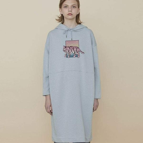 PROD Bldg Hooded Dress One Size / Light Blue Tiger