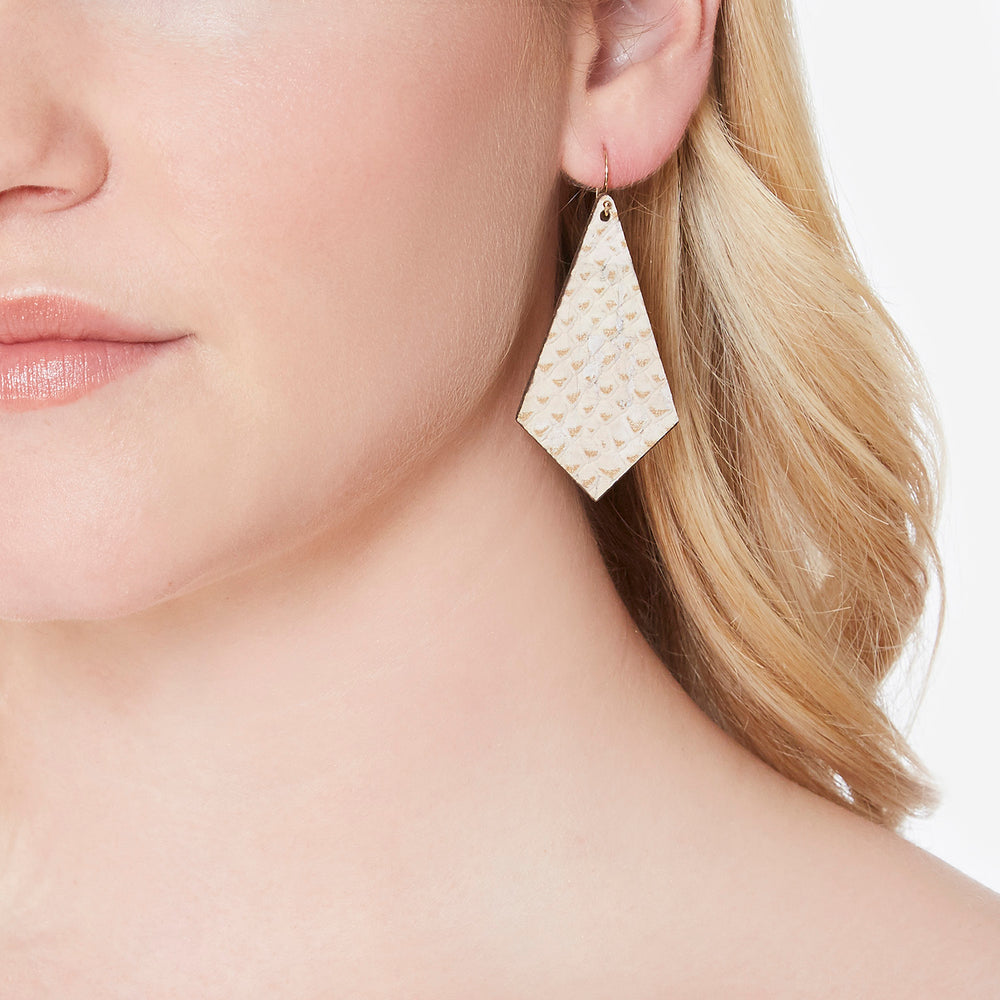 Remi Reversible Cork Earrings – Kite