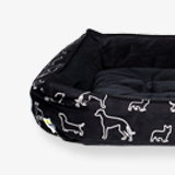 Soft-cozy-bed-blackdoggies-for-dogs-english